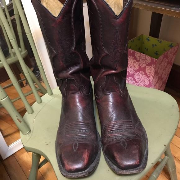 29cc955074a0 Cuatralba Other - Cowboy black cherry leather boots